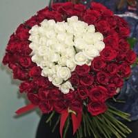101 троянда мікс 'Серце'